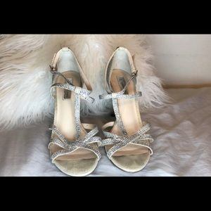 Sparkly high heels 👠